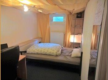EasyWG DE - WG Zimmer in Luxus WG, München - 350 € pm