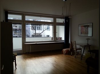 EasyWG DE -  Charlottenburg/ Savignyplatz, großes Zimmer mit Loggia, Berlin - 450 € pm