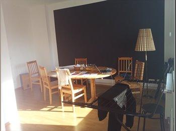 EasyWG DE - Helles 17qm Zimmer in attraktiver Altbauwohnung in - Wilhelmsburg, Hamburg - 360 € pm