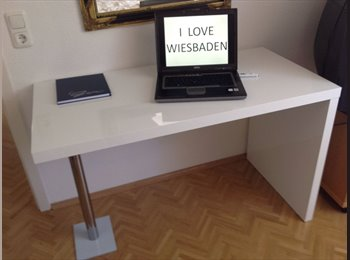 EasyWG DE - Wiesbaden: ab 1 Monat mietbar -Zimmer in Penthouse -Top-Citylage, Wiesbaden - 425 € pm