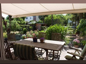 EasyWG DE - Zimmer 20 m2 in EFH mit Garten - FU Nähe - Zehlendorf, Berlin - 430 € pm