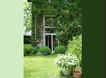 EasyWG DE - großzügiges, helles Zimmer 23qm - Holweide, Köln - 475 € pm