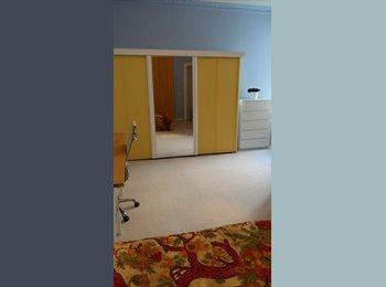 EasyWG DE - Großes Berliner Zimmer in Altbauwohnung zu vermieten - Mitte, Berlin - 480 € pm