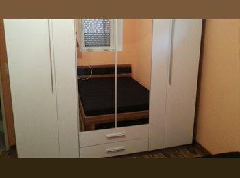 EasyWG DE - Mobliertes Doppelzimmer in 4-WG mit separatem Eingang., Stuttgart - 400 € pm