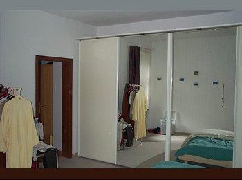 EasyWG DE - Haidhausen, Ruhiges Zi. / quiet room , 5 Min. S-Bahn,U-Bahn, München - 640 € pm