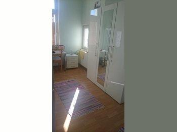 EasyWG DE - 20 qm Zimmer in einer 3er WG Zimmer in ruhige Lage Rödelheims - Rödelheim, Frankfurt - 580 € pm
