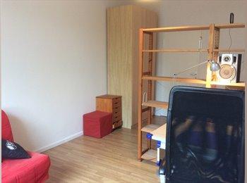 EasyWG DE - 17 qm möbliertes, helles Zimmer zentral in West Berlin gelegen, Berlin - 342 € pm