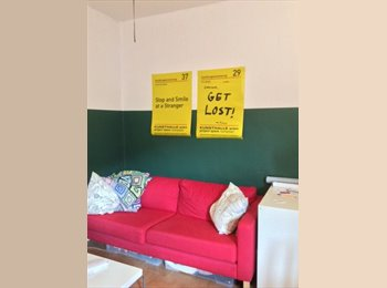 EasyWG DE - Cheap room for 14 days directly at Boxhagener Platz in Fhain!  €170 / 20m2 , Berlin - 170 € pm