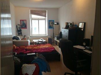 EasyWG DE - Großes und günstiges Zimmer in zentraler Lage zur Zwischenmiete, München - 385 € pm