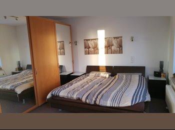 EasyWG DE - Komfortzimmer 22 qm, am Park in Spreenähe im Townhouse zu vermieten, Berlin - 490 € pm