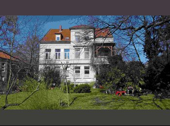 EasyWG DE - Grosses helles Zimmer in Jugendstilvilla zu vermieten, Hannover - 375 € pm