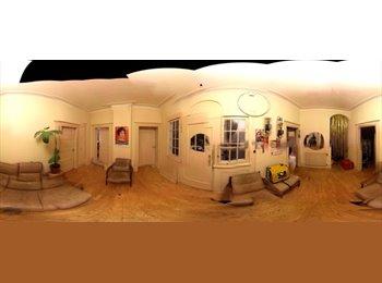 EasyWG DE - schönes, helles Altbau-Zimmer zur Zwischenmiete , Stuttgart - 387 € pm