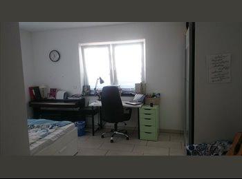 EasyWG DE - lichtdurchflutetes WG-Zimmer in einer 2er-WG, zentral, Gießen - 370 € pm