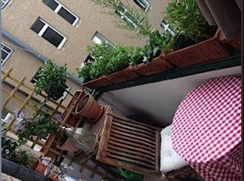 EasyWG DE - Schönes, helles, ruhiges Altbauzimmer mit Balkon in 2-er WG Charlottenburg, Berlin - 500 € pm