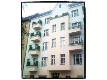 EasyWG DE - Kreuzberg, schöne, ruhige 2-Zimmer-Altb., VH, Balk.,Wasserblick, Berlin - 350 € pm