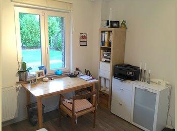 EasyWG DE - Schönes möbliertes WG-Zimmer in tollem Haus mit Garten, Leverkusen - 360 € pm