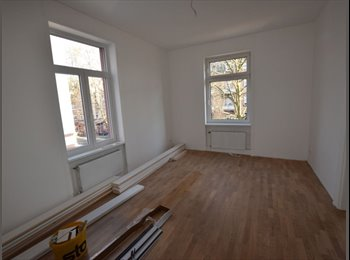 Herrliche sanierte 5-Zimmer Altbau WG sucht dritten...