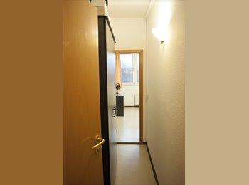 EasyWG DE - Möbliertes, sonniges Zimmer mit eigenem Bad in netter 3er-WG, Leipzig - 200 € pm