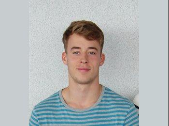Finn - 20 - Student