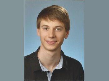 Robert - 21 - Student