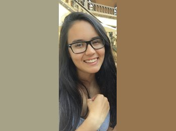 naomi jacquin - 18 - Student