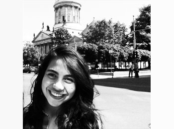 Sara Castellanos - 23 - Student