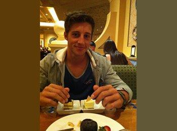 Moritz Pronath - 23 - Student