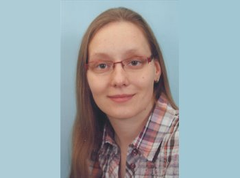 Kristin - 35 - Student