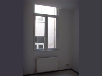 EasyKot EK - Kamer 12m2 met douche/wc, Antwerpen-Anvers - € 330 p.m.
