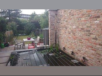 1 kamer beschikbaar in prachtig huis met tuin nabij station...