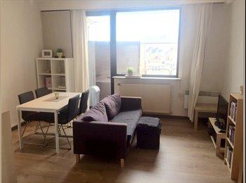 Bemeubelde studio - aparte badkamer & terras - 51m2