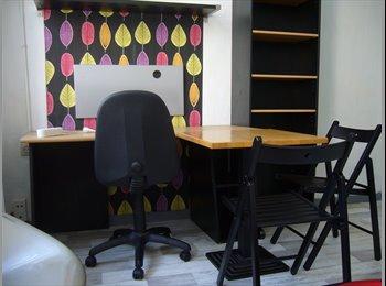mooie heringerichte studio  uitstekend gelegen