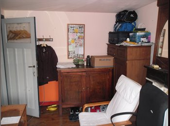 EasyKot EK - small & cheap but cosy room with high bed - Kessel-Lo, Leuven-Louvain - € 200 p.m.