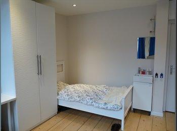 Rustige,eigentijds inger. kamers in hartje Gent, 11m...