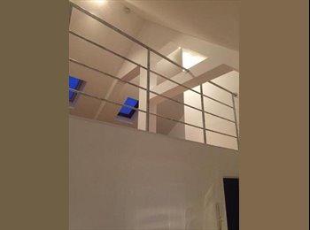EasyKot EK - Studentenhuis 9 kamers Vernieuwd, Genk - € 285 p.m.