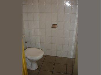 EasyKot EK - Gemeubelde kamer in authentiek huis, Antwerpen-Anvers - € 350 p.m.