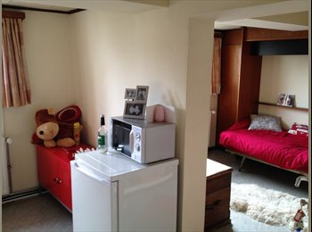 Rustige en ruime kamer in het historische Gent