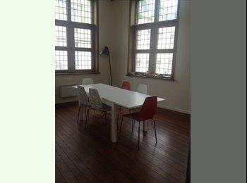 Mooie studio op toplocatie (nabij sint-lucas) - 555 euro
