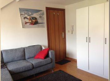 EasyKot EK - Brabanconnestr - 23m kamer met aparte slaapruimte, Leuven-Louvain - € 335 p.m.