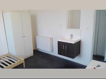 EasyKot EK - ruime kamer in nieuw gebouw, Leuven-Louvain - € 300 p.m.