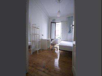 Habitación en SOL, amplia y luminosa con balcón
