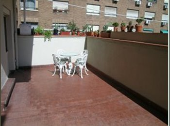 2 habitaciones amuebladas en casa con terraza 20m2