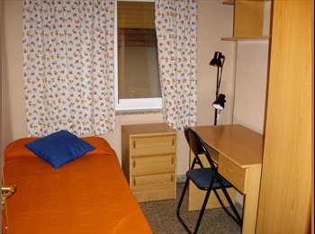 EasyPiso ES - ALQUILO habitaciones con derecho a cocina. - Centro Ciudad, Granada - 220 € por mes