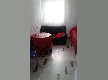 EasyPiso ES - Habitación  en Plaza Colón (centro), Córdoba - 250 € por mes