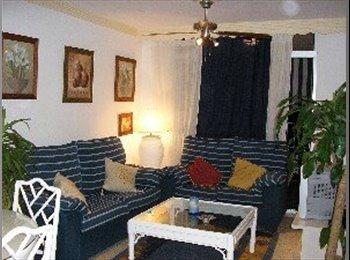 EasyPiso ES - MARBELLA CENTRO _ ONLY FROM 20 T0 29 YRS OLD - Centro, Marbella - 335 € por mes