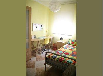 EasyPiso ES - Habitacion libre para chica estudiante en Triana, Sevilla - 350 € por mes