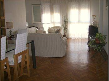 Se alquila habitación muy luminosa a partir de final ...