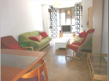 Zona centro, habitaciones en piso compartido