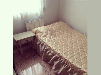 EasyPiso ES - I have a room available!!! - Centro Ciudad, Granada - 195 € por mes