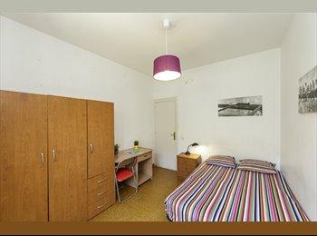 EasyPiso ES - DF2 - Pedralbes/Zona Universitaria, double bed, TV, lots, Les Corts - 400 € por mes